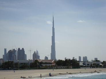 Vue générale depuis la plage de Dubai