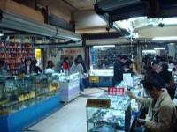 Stand à Shanghai où l'on peut acheter du matériel électronique