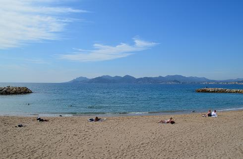 Plage de sable à Cannes