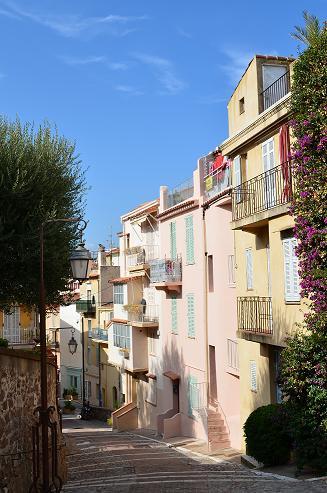 Ruelle au Suquet à Cannes