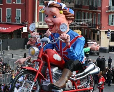 Le carnaval de Nice à Moto