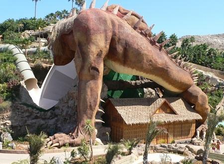 L'attraction du dragon à Siam Park à Tenerife